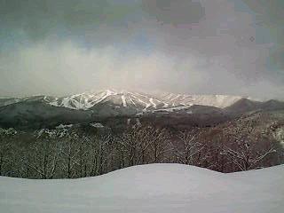 ♪雪が積もった道の先に